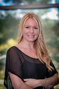 Stephanie Jacques, Réceptionniste